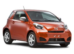 Scion iQ Reviews