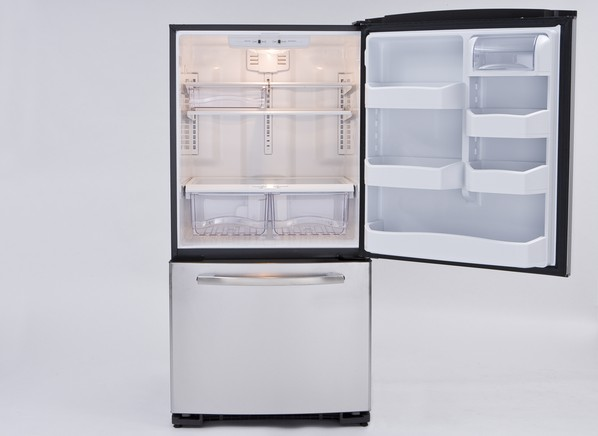 refrigerator features specs information from consumer reports